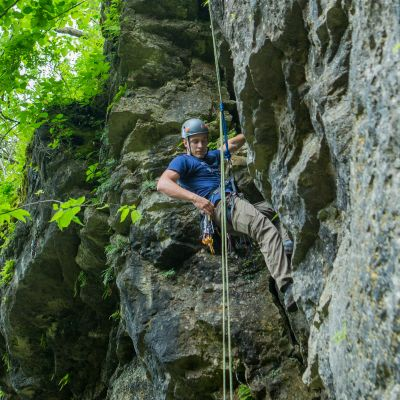 Repelling in Gorge